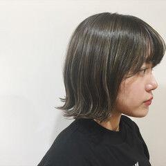 アッシュ 外ハネ ウェットヘア ハイライト ヘアスタイルや髪型の写真・画像