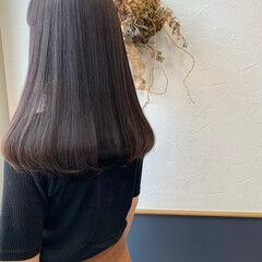 ロング グレーアッシュ ナチュラル ラベンダーアッシュ ヘアスタイルや髪型の写真・画像