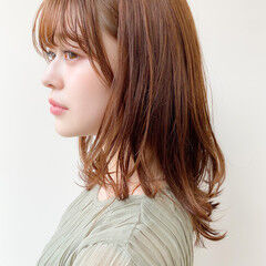 ミディアム アンニュイほつれヘア 毛先パーマ 大人かわいい ヘアスタイルや髪型の写真・画像