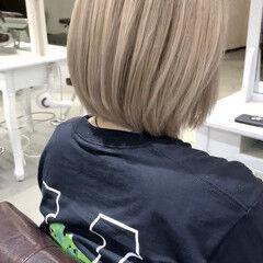 ミルクティーベージュ ハイトーンカラー ブリーチ必須 ボブ ヘアスタイルや髪型の写真・画像
