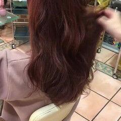 パーマ セミロング フェミニン ピンク ヘアスタイルや髪型の写真・画像