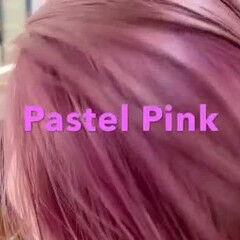デート ストリート パステルカラー ピンクアッシュ ヘアスタイルや髪型の写真・画像