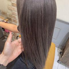 モード ダブルカラー ミディアム アッシュグレー ヘアスタイルや髪型の写真・画像