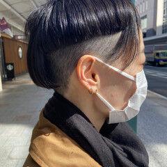 ナチュラル ショート 刈り上げ女子 前下がりショート ヘアスタイルや髪型の写真・画像
