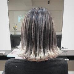 コントラストハイライト エアータッチ ストリート ホワイトハイライト ヘアスタイルや髪型の写真・画像