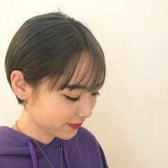 ショート ミニボブ オリーブグレージュ ナチュラル ヘアスタイルや髪型の写真・画像