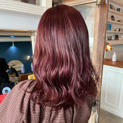 ガーリー セミロング ラズベリーピンク ピンクラベンダー ヘアスタイルや髪型の写真・画像