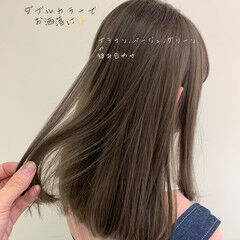 オリーブベージュ 切りっぱなしボブ ガーリー セミロング ヘアスタイルや髪型の写真・画像