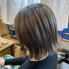 外ハネボブ 秋冬スタイル ボブ マットグレージュ ヘアスタイルや髪型の写真・画像