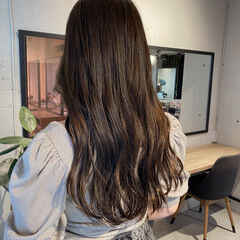 ナチュラル ミディアム アッシュグレージュ ロングヘアスタイル ヘアスタイルや髪型の写真・画像