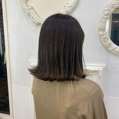セミロング オリーブベージュ オリーブグレージュ ナチュラル ヘアスタイルや髪型の写真・画像