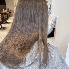セミロング ハイトーンカラー ナチュラル インナーカラー ヘアスタイルや髪型の写真・画像