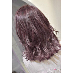 ラズベリーピンク 韓国ヘア ガーリー ミディアム ヘアスタイルや髪型の写真・画像