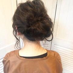 ヘアアレンジ お団子 ミディアム ルーズ ヘアスタイルや髪型の写真・画像