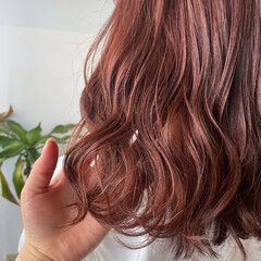 セミロング ブリーチカラー ブリーチオンカラー ガーリー ヘアスタイルや髪型の写真・画像