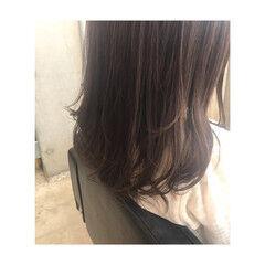 フェミニン イルミナカラー ロング デート ヘアスタイルや髪型の写真・画像