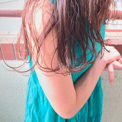 ラベンダーカラー ブリーチなし セミロング 女っぽヘア ヘアスタイルや髪型の写真・画像