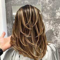 ママ ナチュラル 外国人風カラー アッシュベージュ ヘアスタイルや髪型の写真・画像