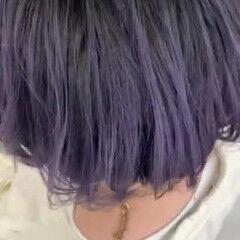 パープル 刈り上げ ベリーショート モード ヘアスタイルや髪型の写真・画像