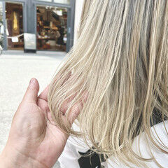 モード ミディアム ハイトーンカラー ブリーチカラー ヘアスタイルや髪型の写真・画像