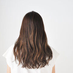 ヘアカラー ベージュ セミロング インナーカラー ヘアスタイルや髪型の写真・画像