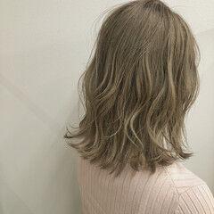 初カラー ブリーチカラー エレガント インナーカラー ヘアスタイルや髪型の写真・画像