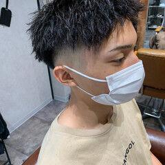 スキンフェード メンズパーマ ツイスト ストリート ヘアスタイルや髪型の写真・画像