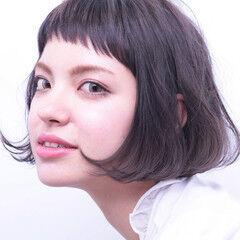 ショートボブ グレー ナチュラル グレージュ ヘアスタイルや髪型の写真・画像