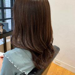 ミディアムレイヤー ゆる巻き ヨシンモリ 似合わせカット ヘアスタイルや髪型の写真・画像