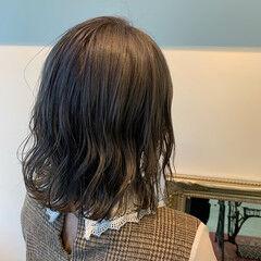 ベージュ ミディアム 透明感カラー 大人可愛い ヘアスタイルや髪型の写真・画像