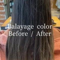 ミルクティーグレージュ ブリーチカラー インナーカラー ロング ヘアスタイルや髪型の写真・画像