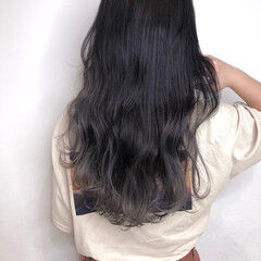 ロング ホワイトシルバー ガーリー シルバー ヘアスタイルや髪型の写真・画像