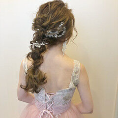 編み込みヘア 結婚式ヘアアレンジ ふわふわヘアアレンジ ロング ヘアスタイルや髪型の写真・画像