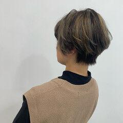 ブリーチ コントラストハイライト ショートヘア ミディアム ヘアスタイルや髪型の写真・画像