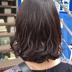 ミディアム ナチュラル 外ハネ パーマ ヘアスタイルや髪型の写真・画像