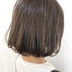 ガーリー ボブ ショートボブ イルミナカラー ヘアスタイルや髪型の写真・画像