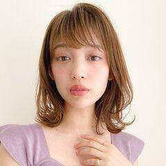 簡単ヘアアレンジ レイヤーカット 大人かわいい 毛先パーマ ヘアスタイルや髪型の写真・画像