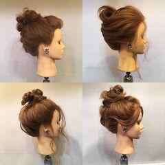 フェミニン セミロング お団子 結婚式 ヘアスタイルや髪型の写真・画像