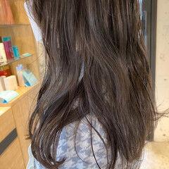 アッシュベージュ ベージュ ナチュラル ラベンダーグレージュ ヘアスタイルや髪型の写真・画像