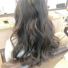 ロング アッシュグレージュ ガーリー ノーブリーチ ヘアスタイルや髪型の写真・画像