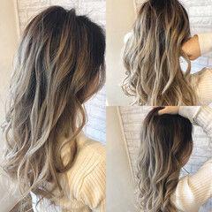 透明感カラー バックコーミング ミルクティーベージュ ミディアム ヘアスタイルや髪型の写真・画像