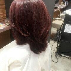 モード ミディアム ベリーピンク レイヤーカット ヘアスタイルや髪型の写真・画像