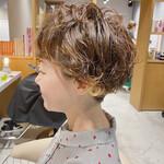 大人可愛い 刈り上げショート ショートヘア フェミニン