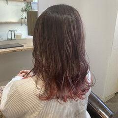 インナーカラー ナチュラル ピンクバイオレット ピンク ヘアスタイルや髪型の写真・画像
