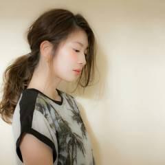 ヘアゴム モテ髪 ヘアアレンジ ナチュラル ヘアスタイルや髪型の写真・画像