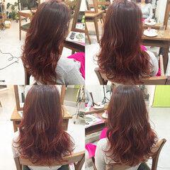 セミロング マルサラ グラデーションカラー 外国人風 ヘアスタイルや髪型の写真・画像