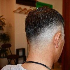 カット ナチュラル フェードカット メンズカット ヘアスタイルや髪型の写真・画像