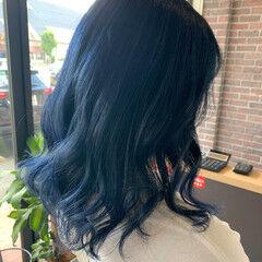 セミロング ブルーラベンダー ブルーブラック ブリーチ ヘアスタイルや髪型の写真・画像