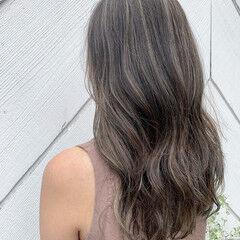 ナチュラル ハイライト ビーチガール レイヤーロングヘア ヘアスタイルや髪型の写真・画像