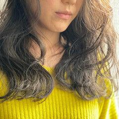 アッシュグレージュ エレガント ロング 大人かわいい ヘアスタイルや髪型の写真・画像
